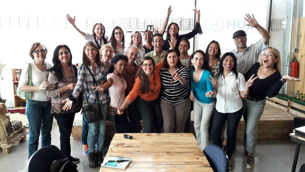 charla sobre inocuidad alimentaria en el Hub de Emprendedores